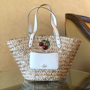 NWT Coach Apple straw tote handbag
